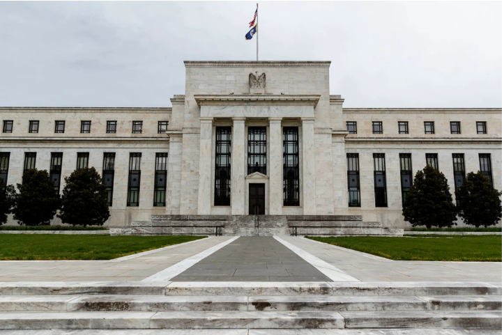 Article about The Fed goes one step further